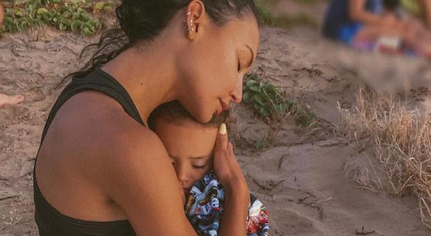 Naya Rivera morta per salvare il figlio di 4 anni: ritrovato il corpo nel lago dell'attrice di Glee