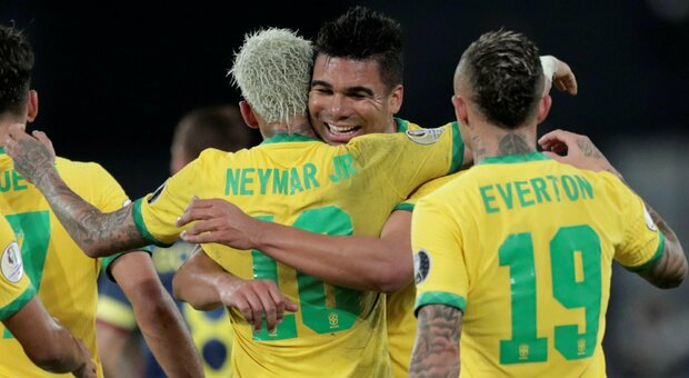 Copa America, il Brasile non gioca con la maglia 24. Ipotesi di omofobia per la scelta della Seleçao