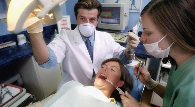 Diabete, lo può scoprire anche il dentista con un test