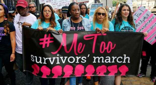 Grida «Viva il #Metoo» ma pensa solo a sedurre: ecco a voi il finto femminista