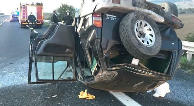 Una dele vetture dopo l'incidente