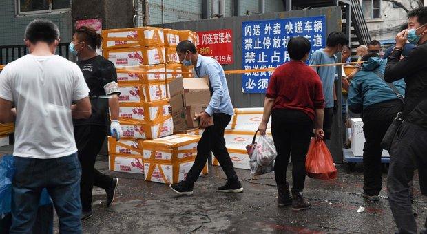 Pechino, sale l'allarme: 46 contagiati nel più grande mercato della città: zone vicine isolate
