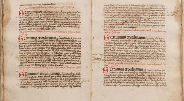 Viterbo, riconsegnato alla Diocesi manoscritto del 1400 con lo statuto di Bagnoregio