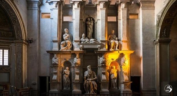"""""""La luce di Mosè"""", effetti speciali e giochi di luce sull'opera di Michelangelo nel nuovo video del Mic"""