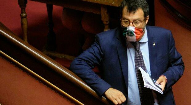 Salvini verso il processo per Open Arms: «Ci porto anche il premier». E spera nell'aiuto renziano