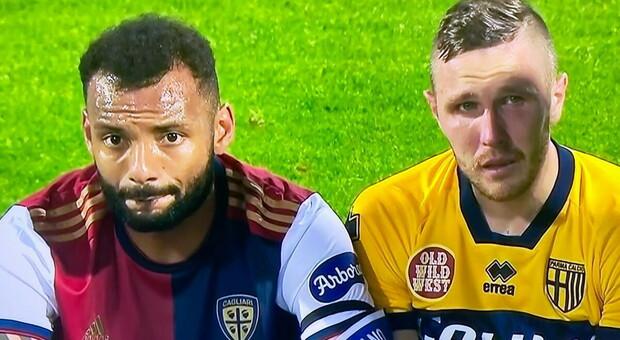 Cagliari-Parma: Joao Pedro consola Kurtic in lacrime