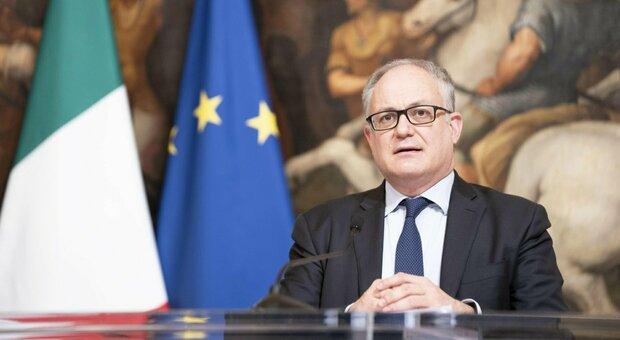 Dpcm, Gualtieri: «Indennizzi entro metà novembre, saranno superiori ai precedenti»