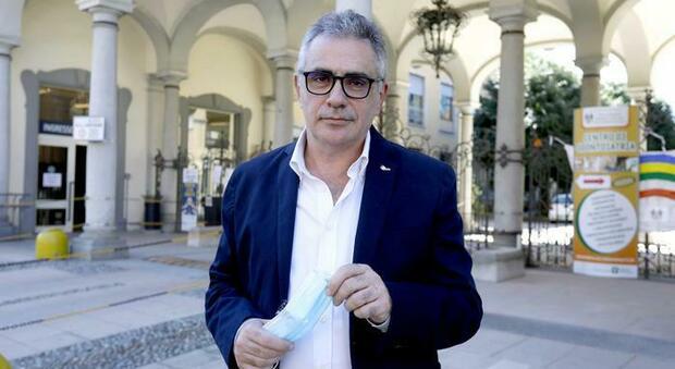 Covid, Fabrizio Pregliasco: «Il freddo aumenta i rischi, decisivi i prossimi 3 mesi»