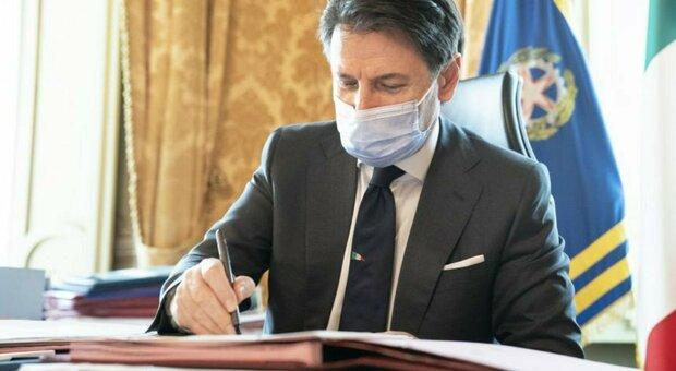 Dpcm, Conte: «Pronti aiuti per 1,2 miliardi: verso provvedimento unico da 4 miliardi»