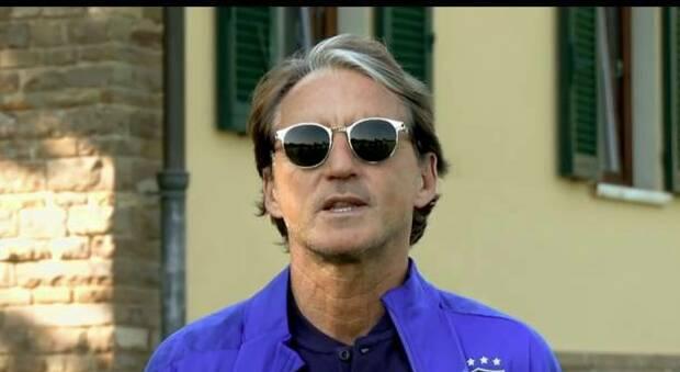 """La Nazionale """"tifa"""" l'Italia del Turismo. Il video-messaggio di Mancini e degli Azzurri per il Ministero"""