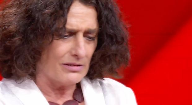 Flavio Insinna, la domanda alla concorrente dell'Eredità che fa infuriare i fan: «Non è possibile...»