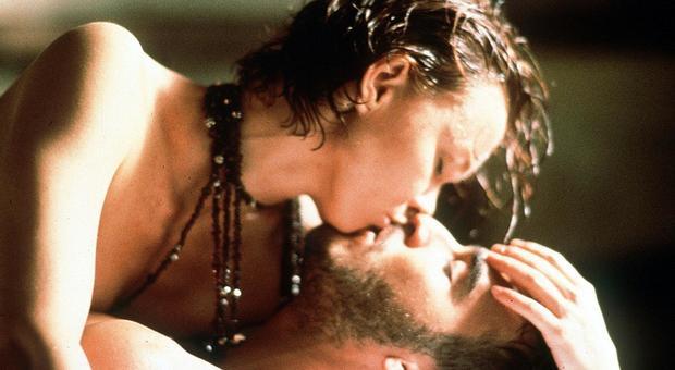 Coronavirus, niente sesso, baci e risse sul set. Le regole di Hollywood fanno tremare gli studios