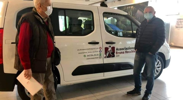 «Tu chiama, noi arriviamo»: l'associazione Bruna Vecchietti raggiunge tutte le famiglie in difficoltà
