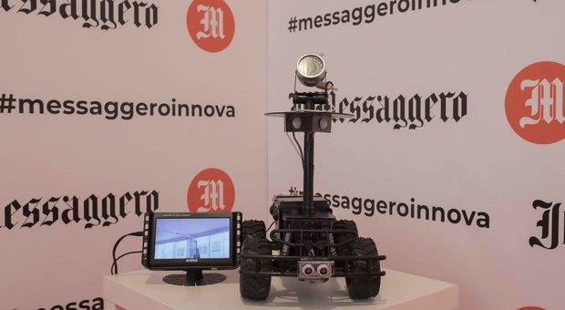 """Maker Faire 2019, il cane da guardia? È un rover-robot dalla tecnologia """"vintage"""""""