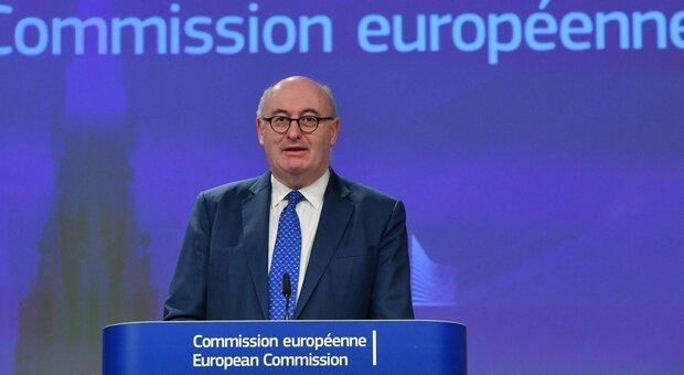 Covid, quarantena violata in Irlanda, si dimette Phil Hogan, commissario Ue al Commercio