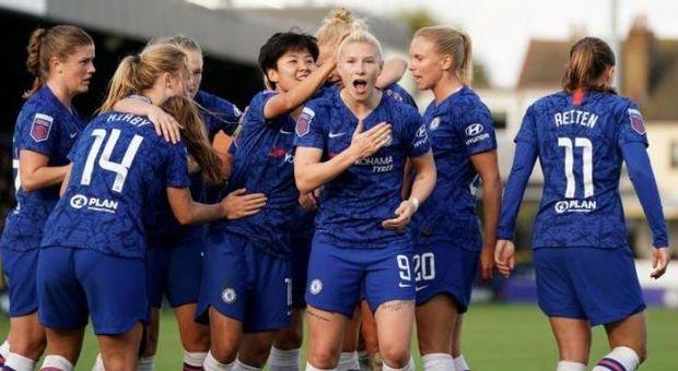 Calcio femminile, Chelsea Women vince lo scudetto e dona il premio per aiutare le vittime di violenza