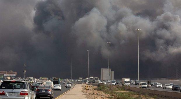 Arabia Saudita, in fiamme la stazione dei treni superveloci per la Mecca: almeno 5 feriti