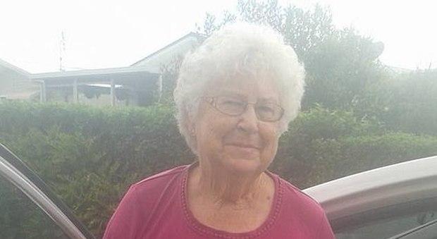Nuova Zelanda, la nonna del terrorista: «Sono scioccata». Madre e sorella si nascondono dai giornalisti