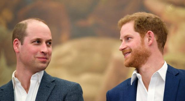 Harry e Meghan, quante bugie? «Carlo ha continuato a mantenerli, per Archie rifiutato un titolo solo per il nome»
