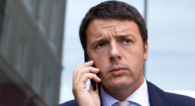 Renzi su Raggi indagata: «No alle polemiche. Lavori e dimostri se è capace»