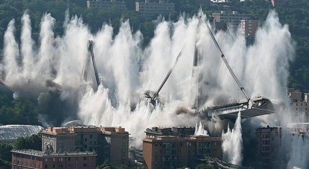 L'esplosione del Ponte Morandi a Genova