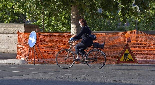 Lavori per la pista ciclabile in Centro (foto di FRACASSI/ag. TOIATI)