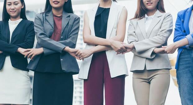 Donne ai vertici delle aziende, in 10 anni cresciute solo del 3,3%. Gli obiettivi del G20 Empower
