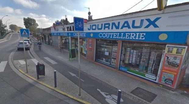 Uomo armato entra nella tabaccheria e prende 5 ostaggi a Tolosa