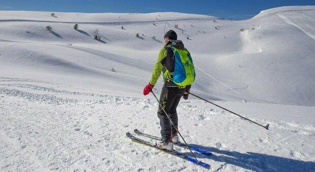 Neve, la resa dei maestri di sci: «Stagione finita, non ci resta che puntare sui ristori»