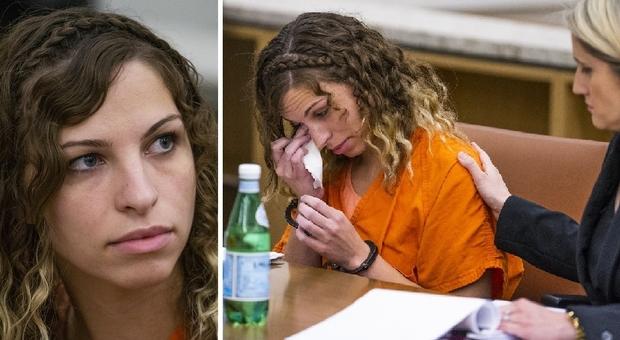 Brittany Zamora, la professoressa condannata per aver fatto sesso con un alunno, scoppia a piangere in tribunale