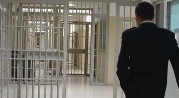 dirigevano traffico di droga dal carcere: nove arresti