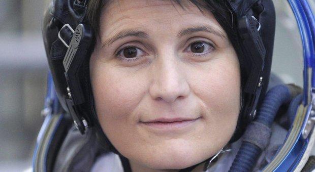 Astrosamantha lascia a sorpresa l'Aeronautica, oggi l'ultimo giorno in uniforme