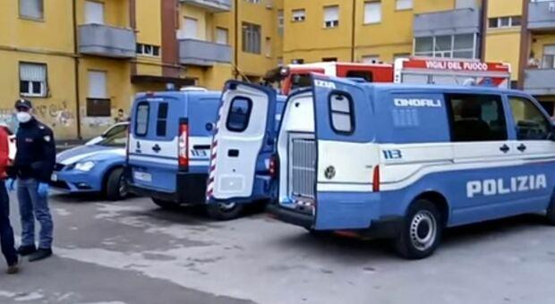 Pescara, al setaccio il quartiere di Rancitelli: trovata cocaina nei tubi dell'acqua