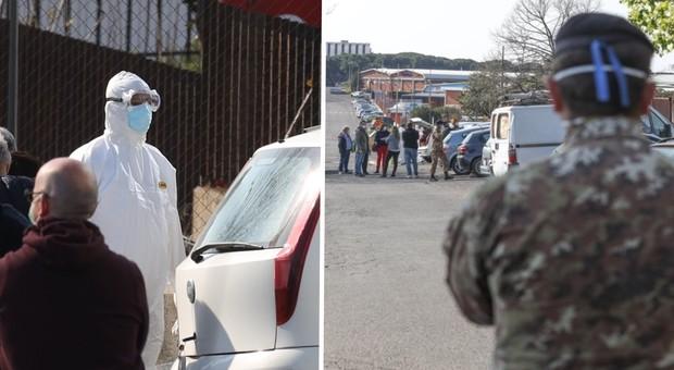 L'Esercito presidia il palazzo occupato di via Arrigo Cavaglieri alla Romanina (Foto Pirrocco/Toiati)
