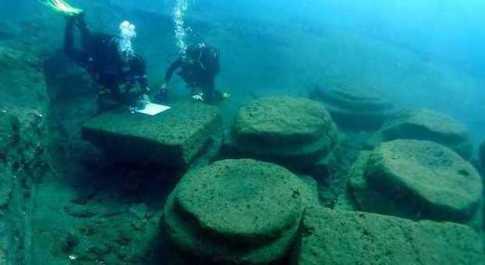 Eolie, scoperto sott'acqua il porto romano di Lipari