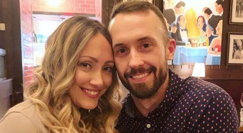Rimandano indietro il bambino autistico adottato 3 anni fa, marito e moglie influencer perdono i primi sponsor