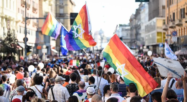 Una giornata dedicata al gay pride al campo estivo dei bimbi della materne: scoppia la bufera