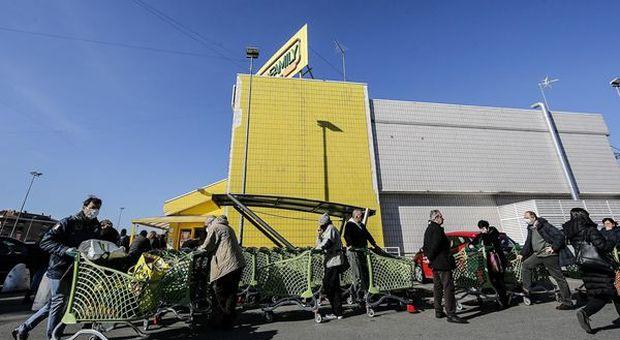 Coronavirus, Nielsen: boom della spesa on line: +144,6% durante il lockdown