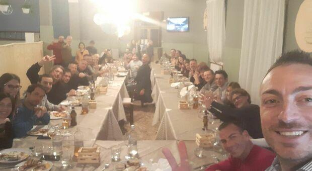 Varese, festa in zona rossa senza mascherine: «Siete tutti invitati»