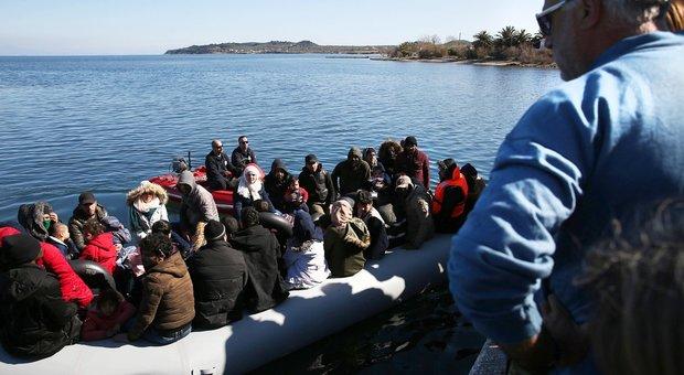 Migranti, bimbo muore annegato durante uno sbarco a Lesbo