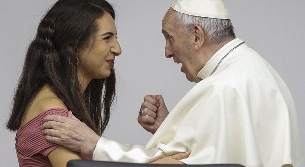 Papa Francesco convoca sinodo per i giovani: «Emarginati e costretti a mendicare un lavoro»