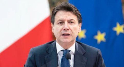 Lo slalom di Conte tra il Pd, i rigurgiti grillini anti Ue e lo spettro del commissariamento