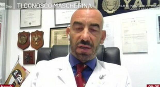 Coronavirus, Bassetti: «Il Covid viaggia sui barconi dei migranti come in business class»