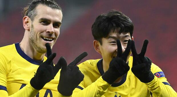 Poker di Tottenham e United, di Olympiakos e Rangers. Benfica-Arsenal 1-1 all'Olimpico