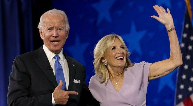 Joe Biden accetta la nomination per la Casa Bianca: «Con Trump troppo odio, usciremo dalle tenebre»