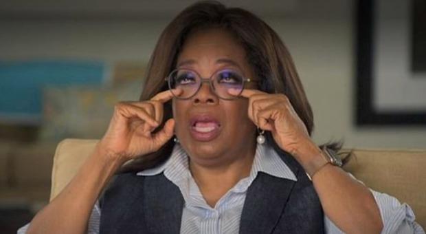 Oprah Winfrey: «Violentata più volte a mio cugino a 19 anni». La conduttrice scoppiata in lacrime in tv