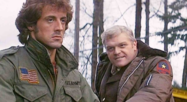 Morto Brian Dennehy: lo sceriffo di Rambo aveva 81 anni. Il dolore di Sylvester Stallone Video