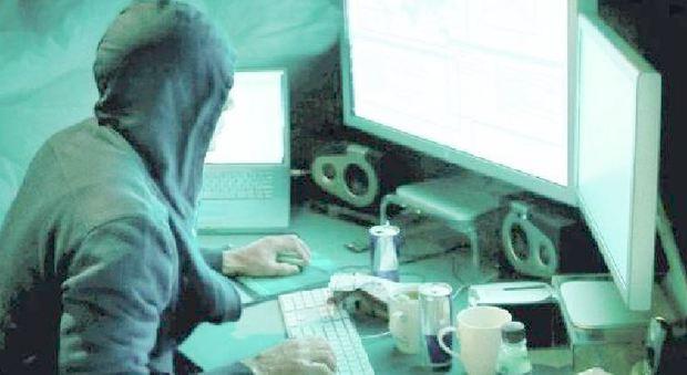 Referendum, allarme intelligence: gli hacker vogliono orientare il voto