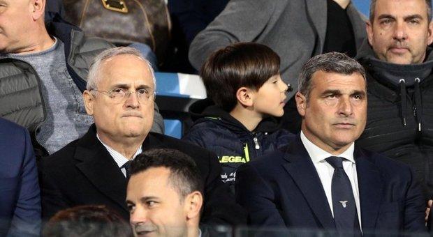 Angelo Peruzzi (a des) con il presidente della Lazio, Claudio Lotito