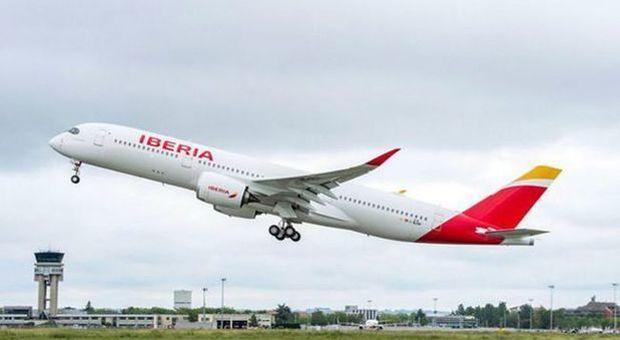 Atterraggio d'emergenza a Malpensa per il volo Iberia da Madrid dopo un'avaria al motore